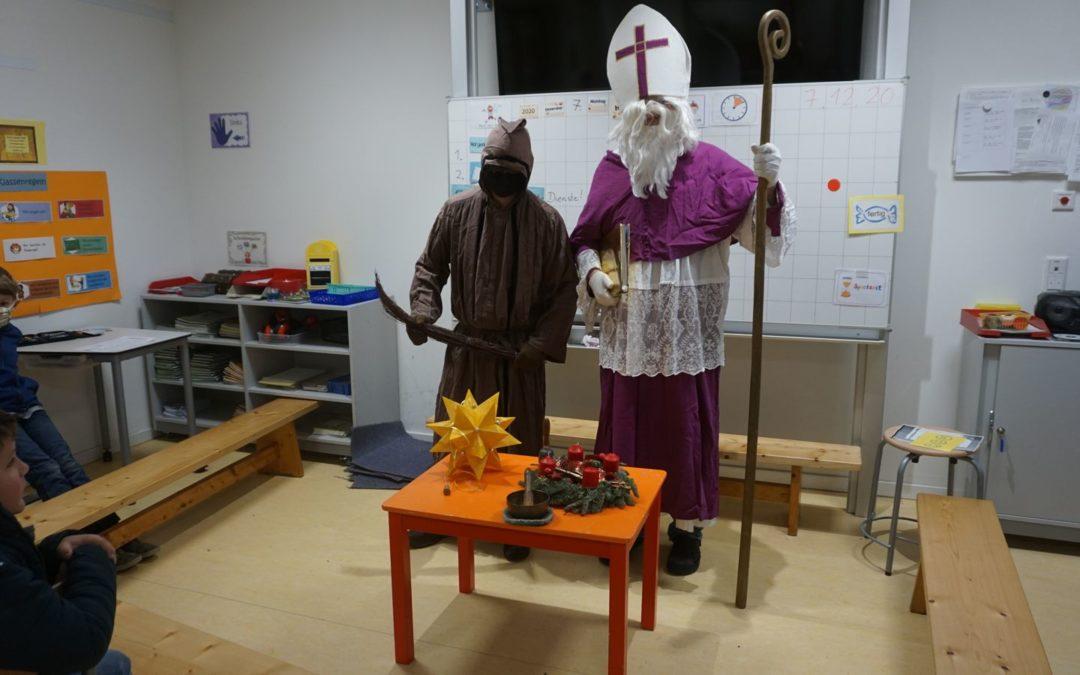 Der Nikolaus zu Besuch in der Martin Luther Schule